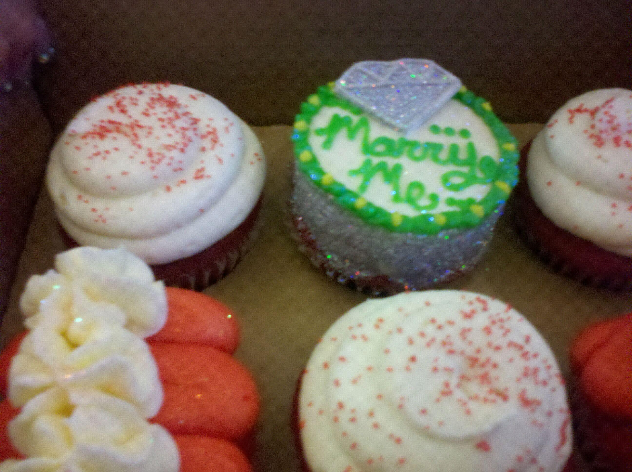 11. marry me cup cakes